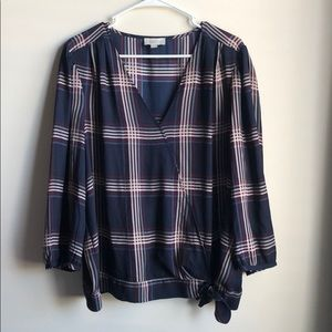 Woman's LOFT flannel mid-length sleeve blouse